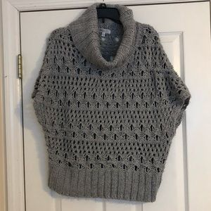 Super cute gray & silver sleeveless sweater
